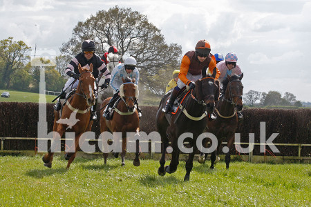 HiCamPhotography_ChaddesleyCorbett_PointtoPoint_19042014_03
